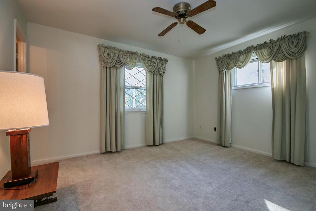 Bedroom (Master) - 7727 ARLEN ST, ANNANDALE