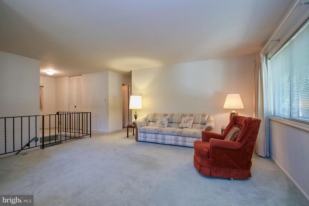 Living Room - 7727 ARLEN ST, ANNANDALE