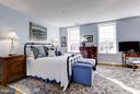 Spacious 3rd Level Bedroom w city views - 2121 S ST NW, WASHINGTON