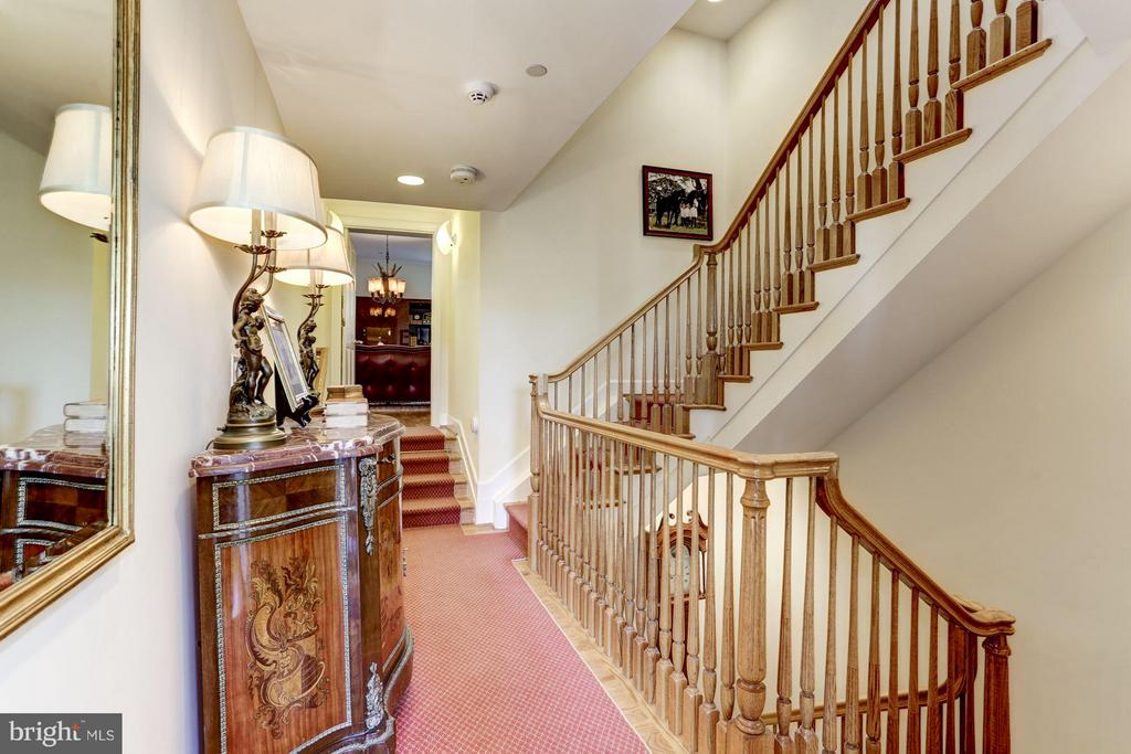 Hallway to BR 2 (Used as master den) - 2121 S ST NW, WASHINGTON