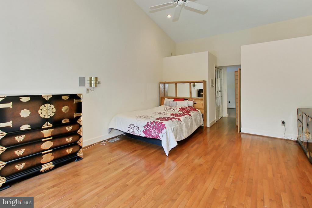 Master Bedroom with Wood Floors - 6519 DEARBORN DR, FALLS CHURCH