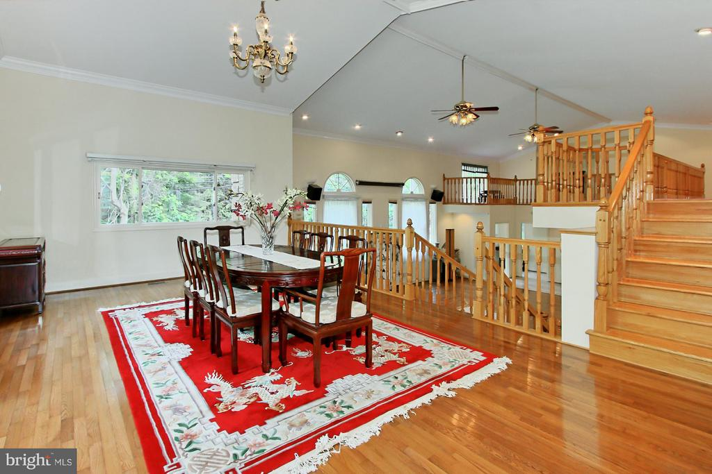 Dining Room has Cathedral Ceilings - 6519 DEARBORN DR, FALLS CHURCH