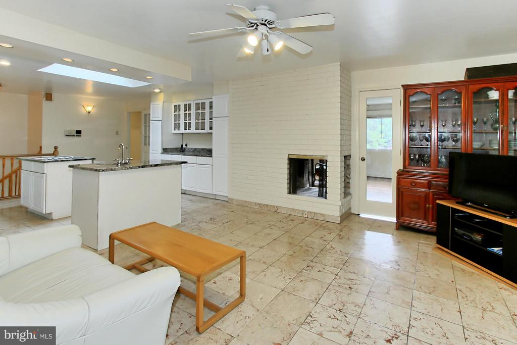 Kitchen has two sided Fireplace - 6519 DEARBORN DR, FALLS CHURCH