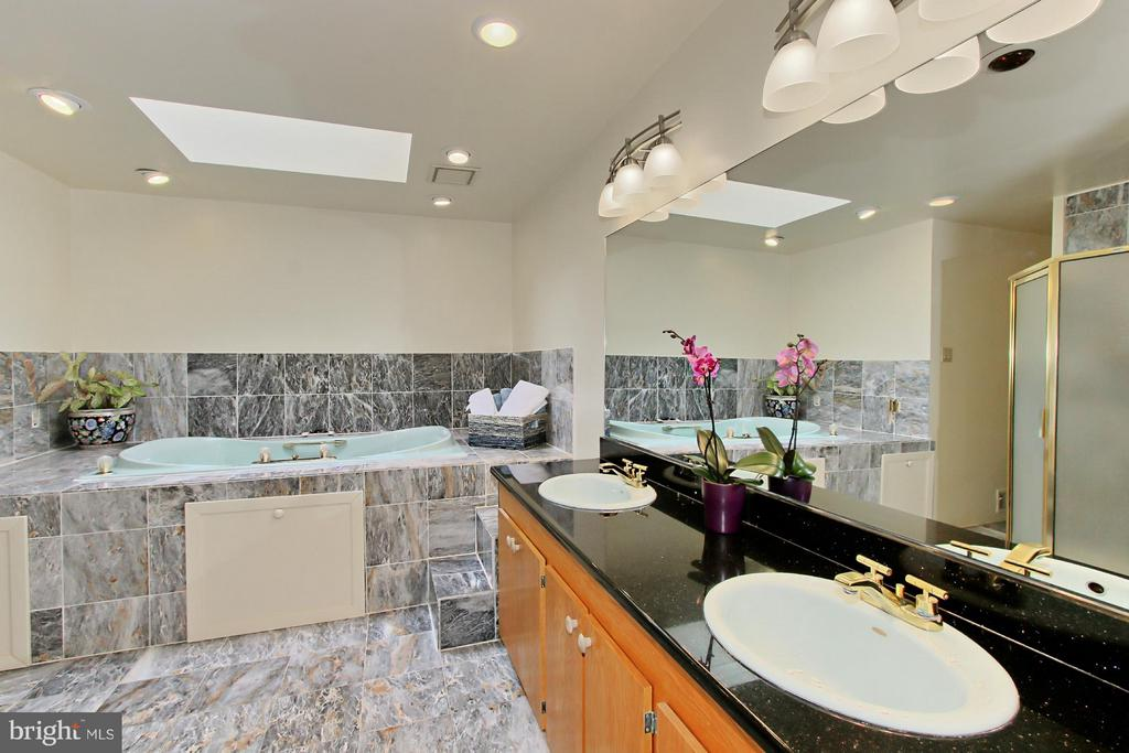 Luxurious Master Bath with Double Sinks - 6519 DEARBORN DR, FALLS CHURCH