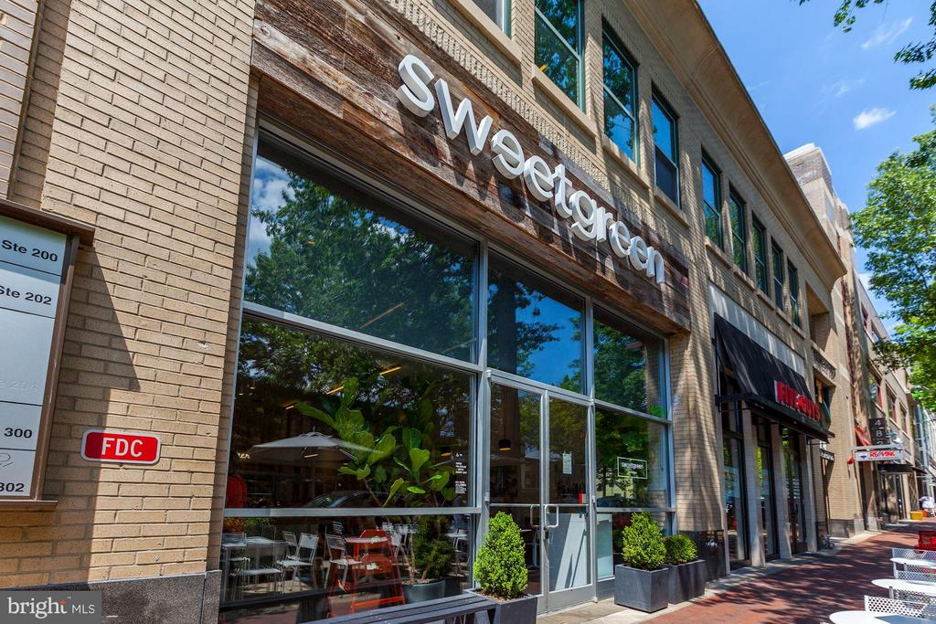 Sweetgreen & other fast casual dining options - 7171 WOODMONT AVE #506, BETHESDA