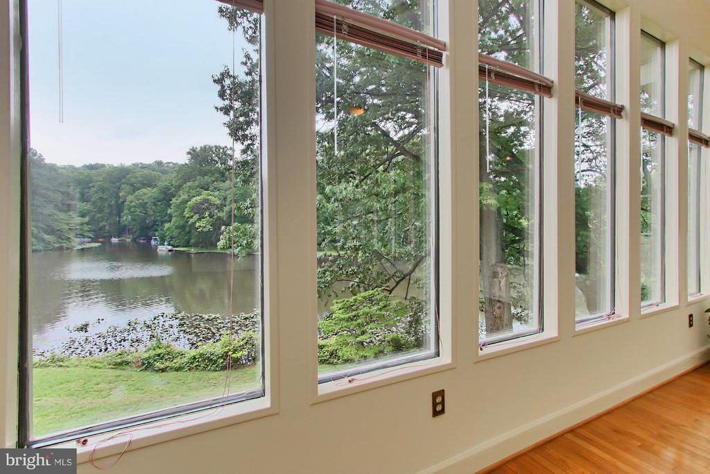 Awesome Lake Views from the Sunroom! - 6519 DEARBORN DR, FALLS CHURCH