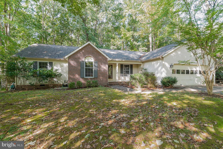 Photo of home for sale at 511 Jett Street, Fredericksburg VA