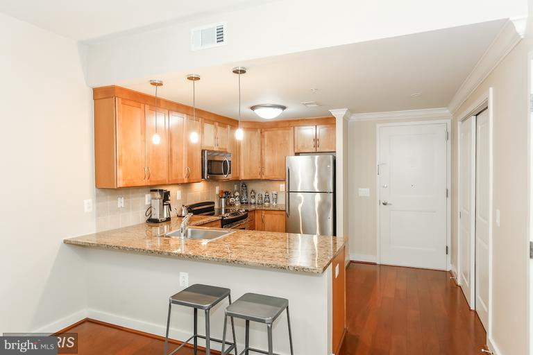 Kitchen - 888 QUINCY ST N #203, ARLINGTON