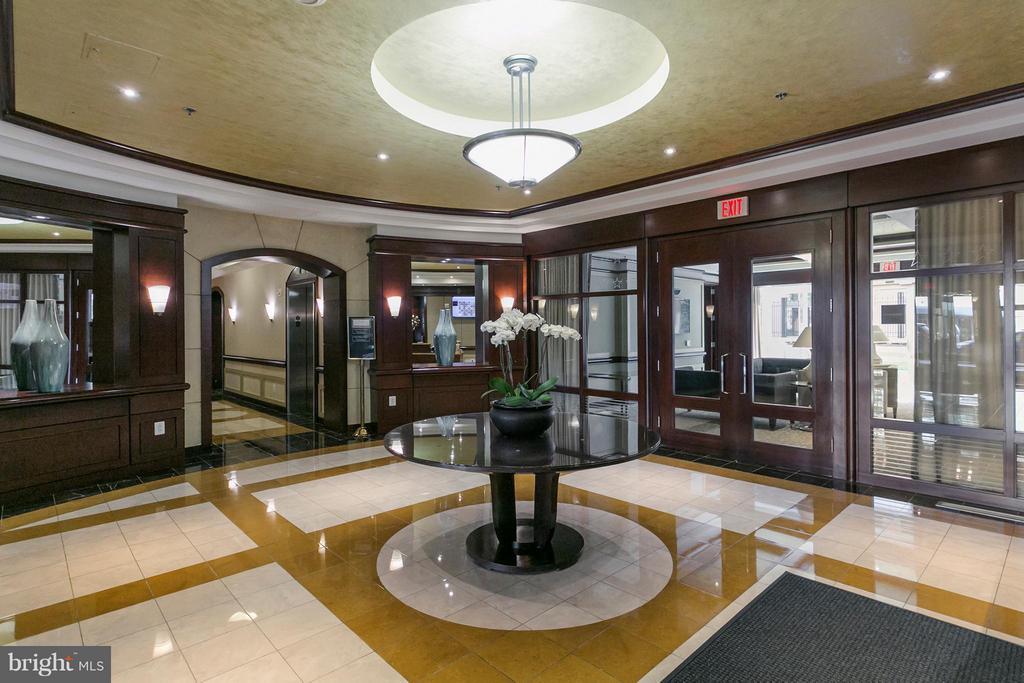 Lobby - 888 QUINCY ST N #203, ARLINGTON