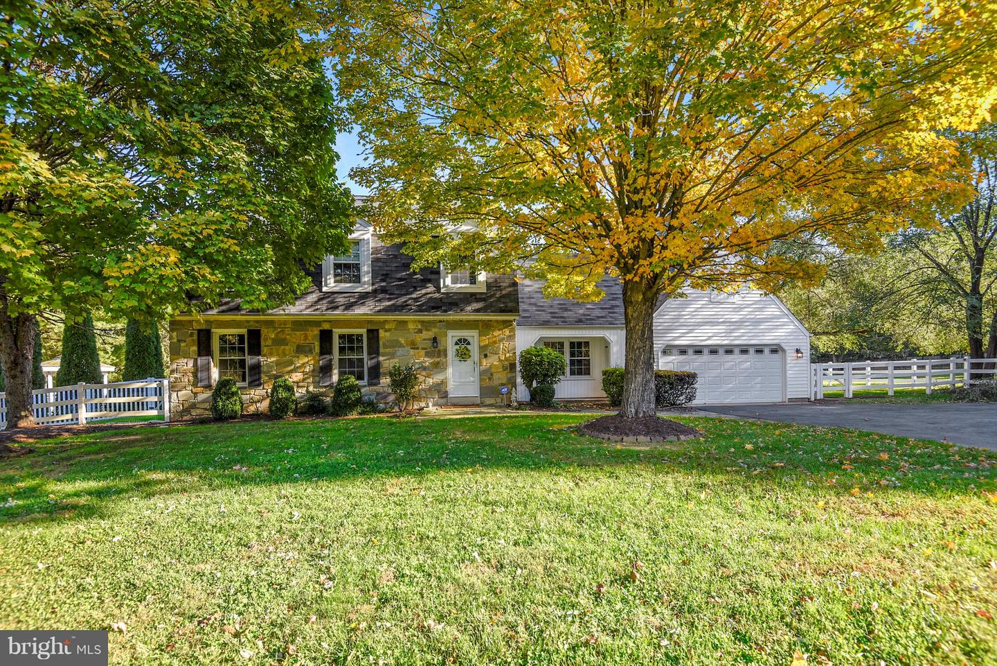 Single Family for Sale at 6001 Warm Springs Dr Derwood, Maryland 20855 United States
