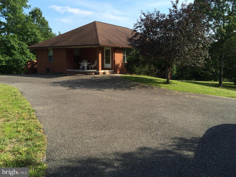 Single Family Homes 为 销售 在 伯克利斯普林斯, 西弗吉尼亚州 25411 美国