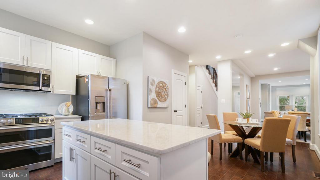 Kitchen - 820 7TH ST NE, WASHINGTON