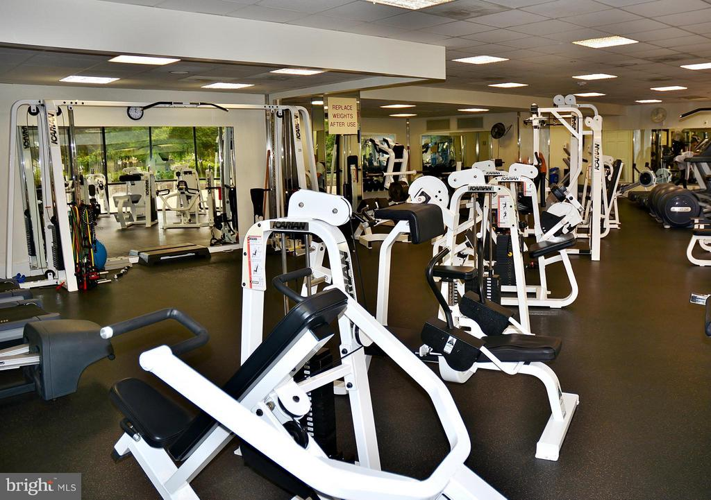 Expanded gym - 5225 POOKS HILL RD #714S, BETHESDA