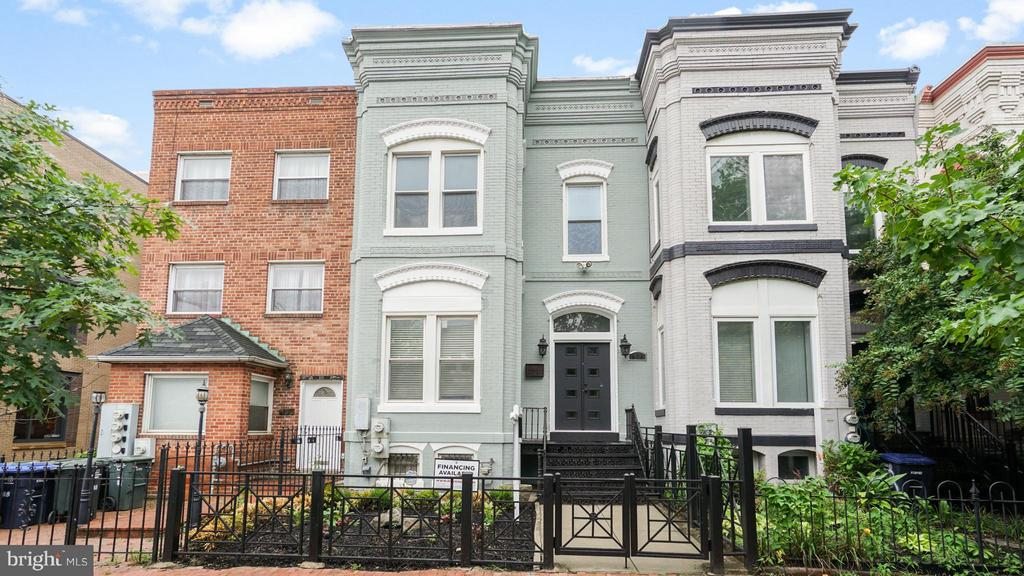 Exterior (Front) - 820 7TH ST NE, WASHINGTON