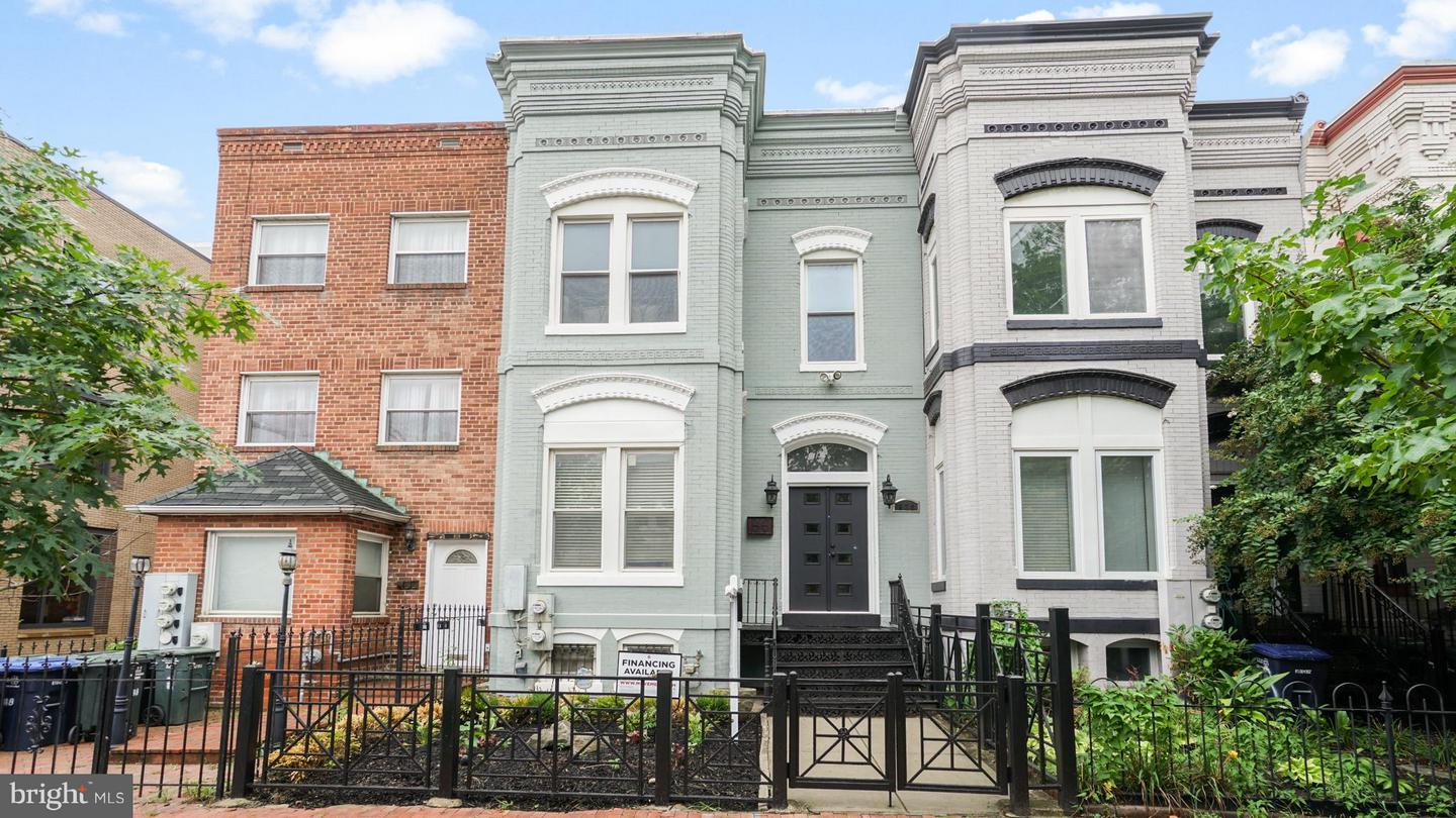 Single Family for Sale at 820 7th St NE Washington, District Of Columbia 20002 United States