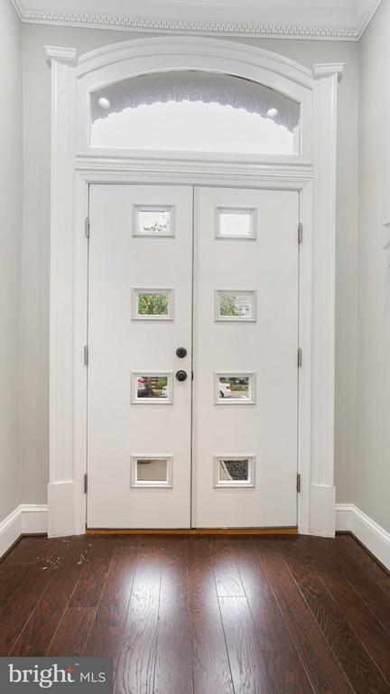 Foyer - 820 7TH ST NE, WASHINGTON