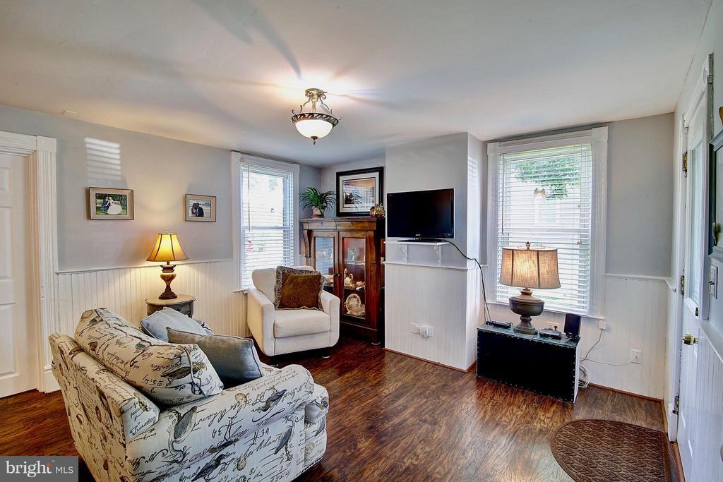 Living Room - 43782 JENKINS LN, ASHBURN