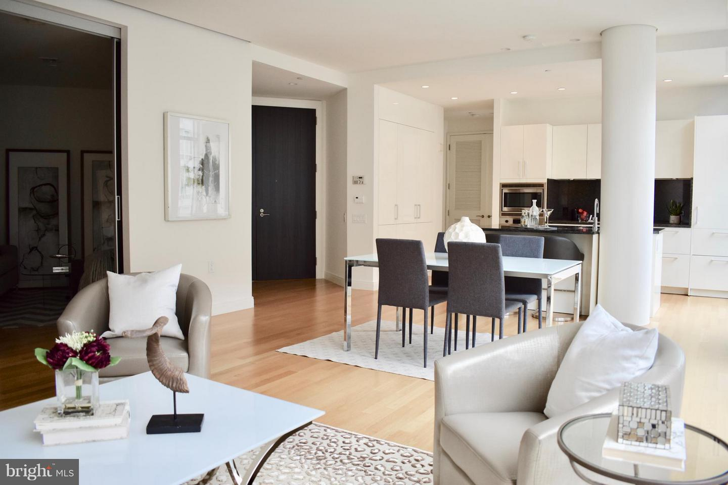 Single Family Home for Sale at 1177 22nd St NW #6-L 1177 22nd St NW #6-L Washington, District Of Columbia 20037 United States