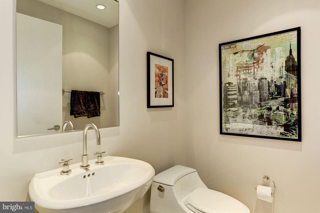 Powder Room for Guests - 1881 NASH ST N #1605, ARLINGTON