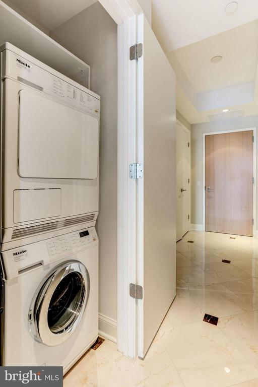 Miele Washer & Dryer - 1881 NASH ST N #1605, ARLINGTON
