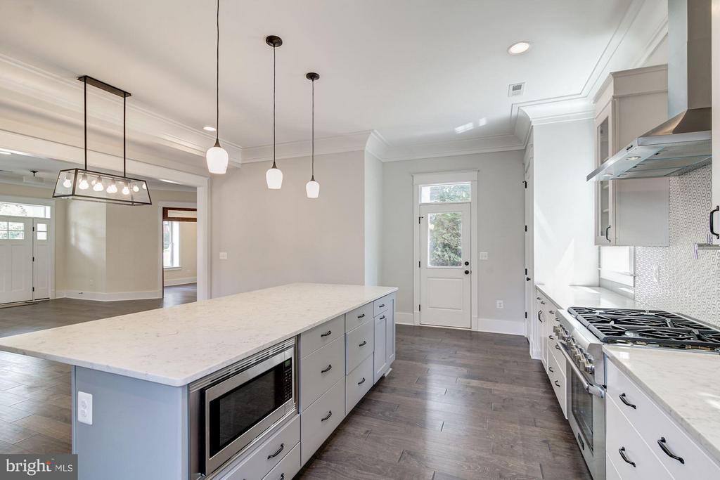 Kitchen - 5512 23RD ST N, ARLINGTON