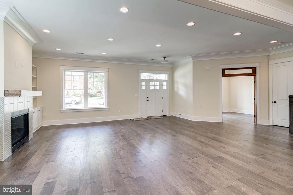 Living Room - 5512 23RD ST N, ARLINGTON