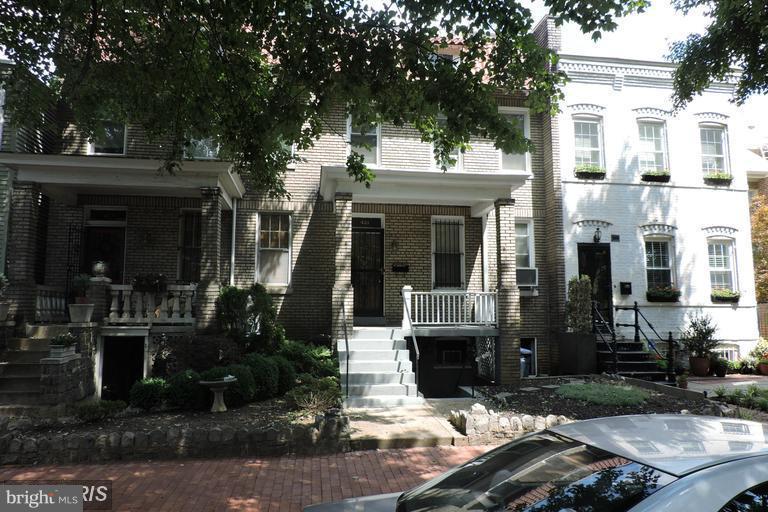 Photo of home for sale at 421 7th Street Ne, Washington DC