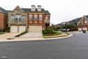 Beautiful End Unit Town Home - 18334 BUCCANEER TER, LEESBURG