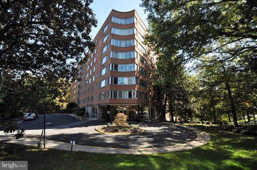 4200 CATHEDRAL AVE NW #611
