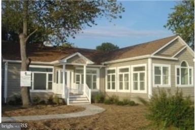 Single Family Home for Sale at 1310 Beach Avenue 1310 Beach Avenue Colonial Beach, Virginia 22443 United States