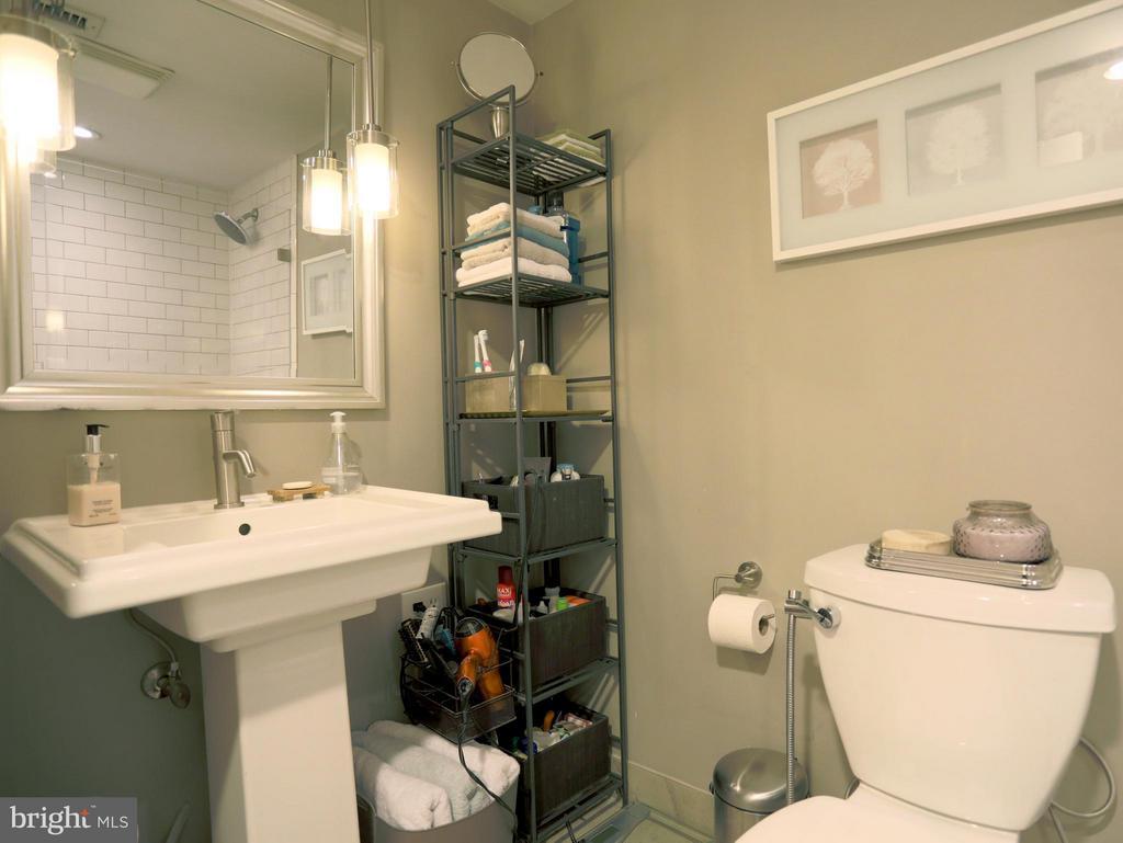 Completely Renovated Bath w/ Kohler Pedestal Sink - 2400 CLARENDON BLVD #503, ARLINGTON