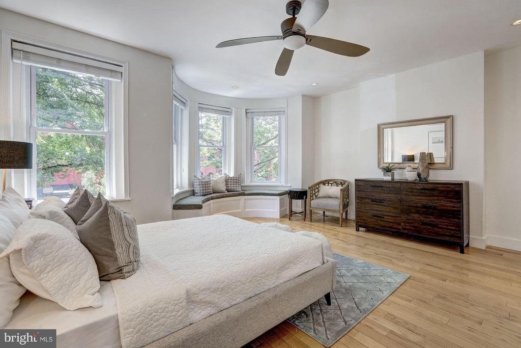 Front Bedroom - 1107 P ST NW, WASHINGTON
