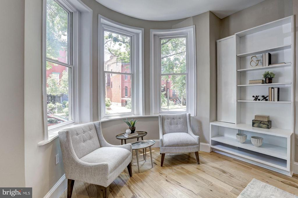Bay Windows perfect for a morning cup of coffee - 1107 P ST NW, WASHINGTON