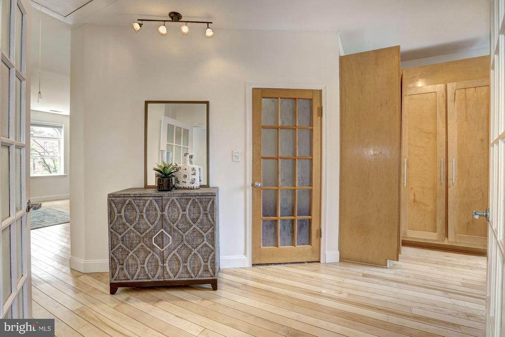 Entryway to the Master Bedroom - 1107 P ST NW, WASHINGTON