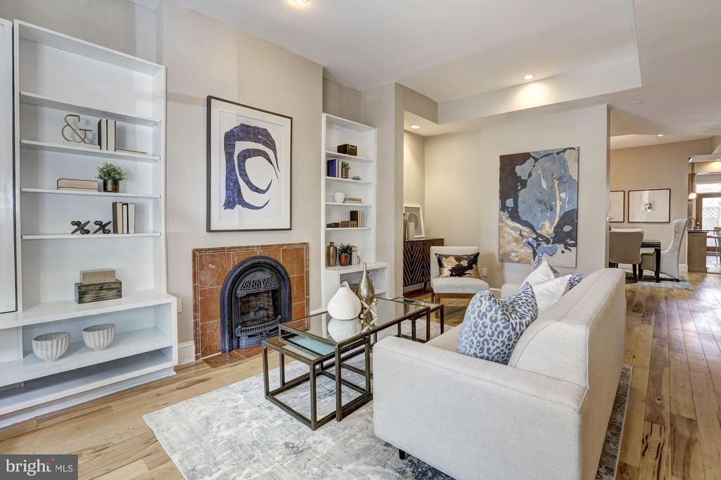 Beautiful living room with fireplace - 1107 P ST NW, WASHINGTON