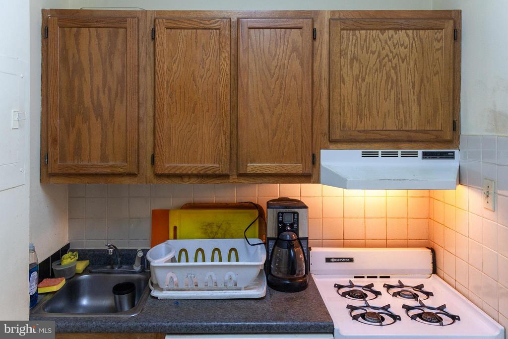 Kitchen - 1121 ARLINGTON BLVD #129, ARLINGTON