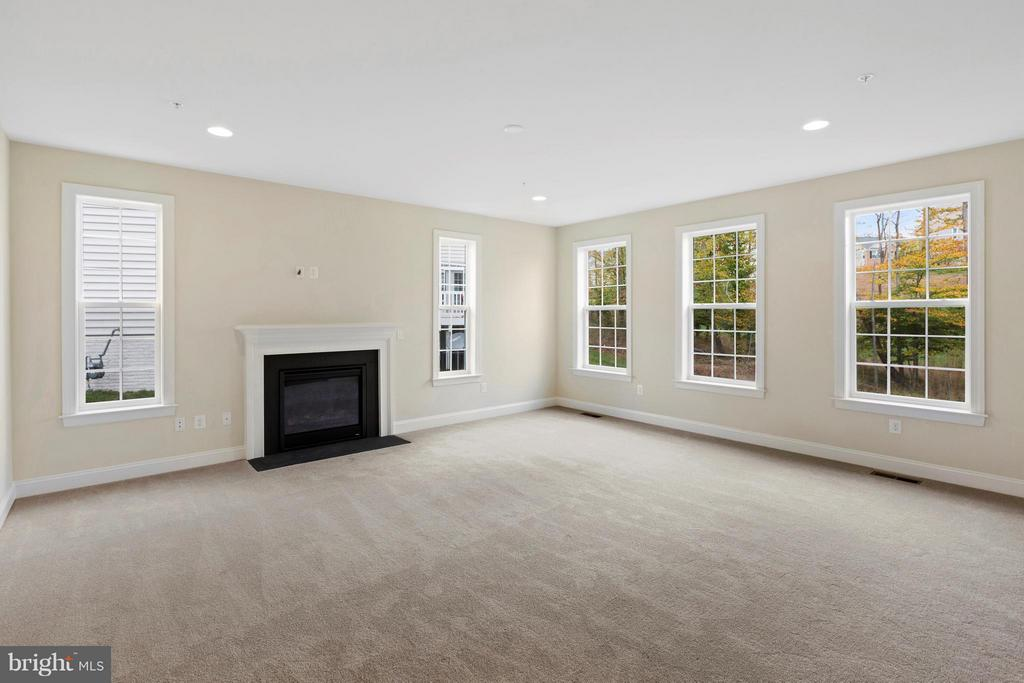 Family Room** SIMIILAR CONSTRUCTION** - 0 STRATHMORE WAY #BELMONT PLAN, MARTINSBURG