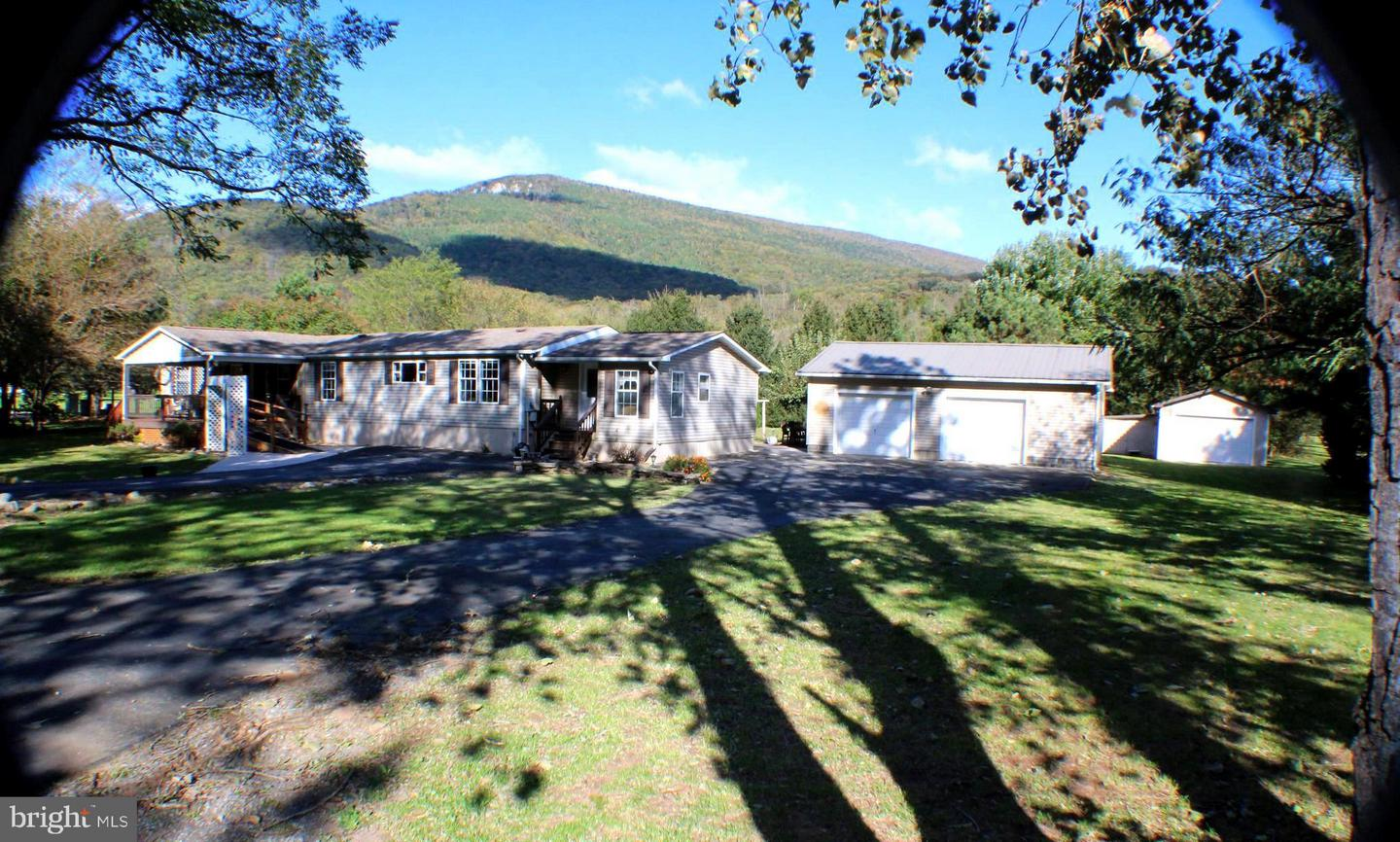 Single Family for Sale at 153 Trout Ln Cabins, West Virginia 26855 United States
