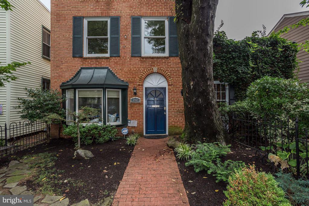 Exterior (Front) - 212 9TH ST SE, WASHINGTON
