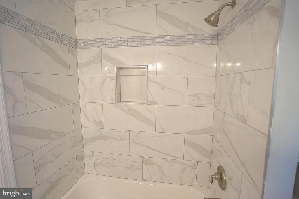 Bath - 613 SPOTTSWOOD ST, FREDERICKSBURG