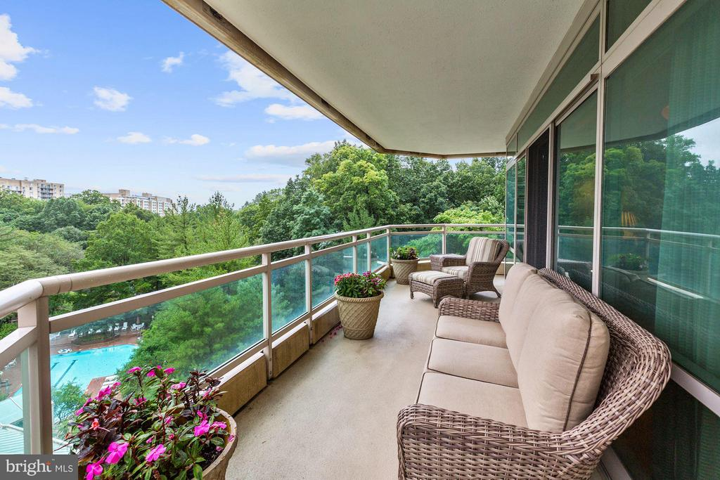 Exterior (General) - 5630 WISCONSIN AVE #702, CHEVY CHASE