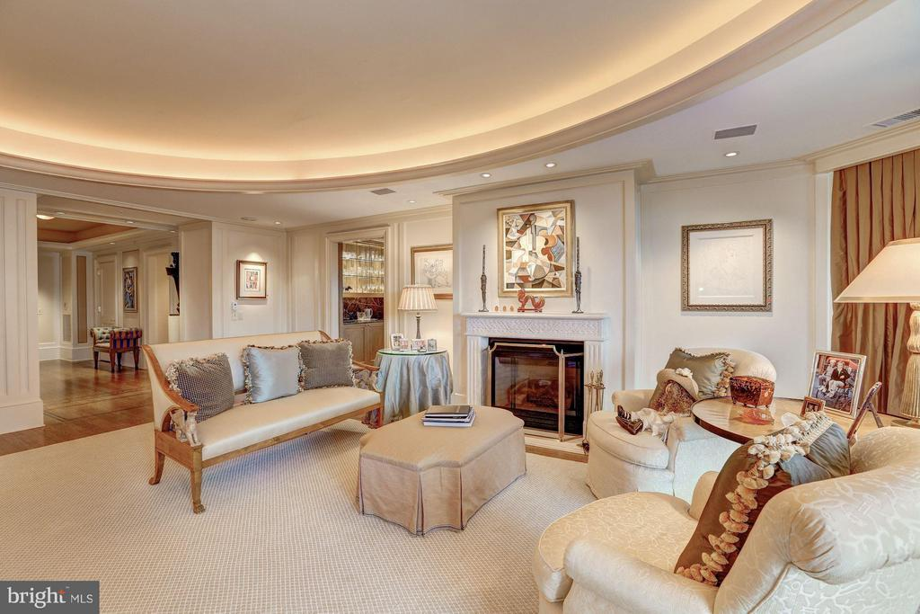 Living Room - 5630 WISCONSIN AVE #702, CHEVY CHASE