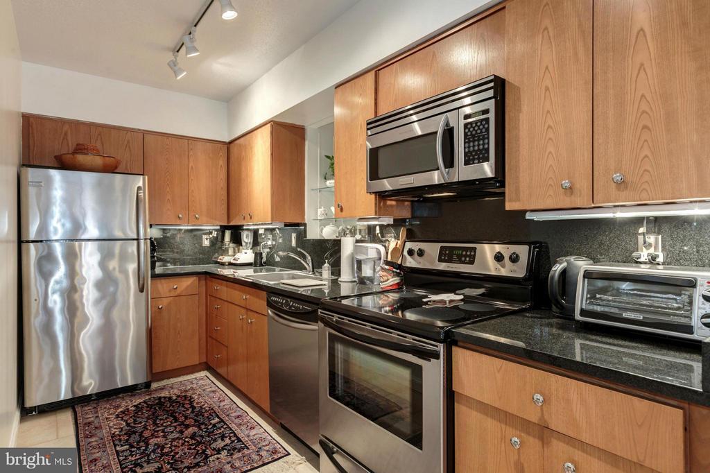 Kitchen - 1200 23RD ST NW #704, WASHINGTON