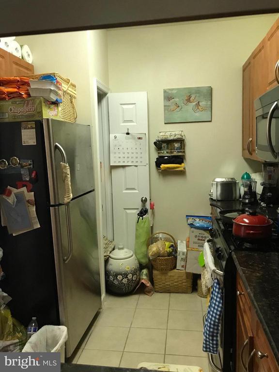 Kitchen - 4401 WEATHERINGTON LN #201, FAIRFAX