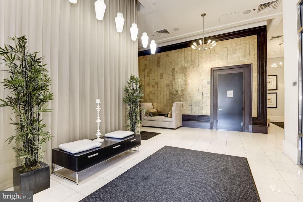 Lobby - 309 HOLLAND LN #236, ALEXANDRIA