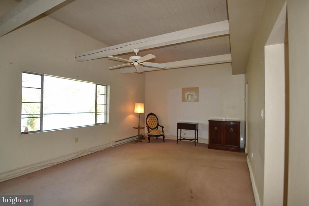Living & Dinning room combo - 8151 EVA DR, PORT ROYAL