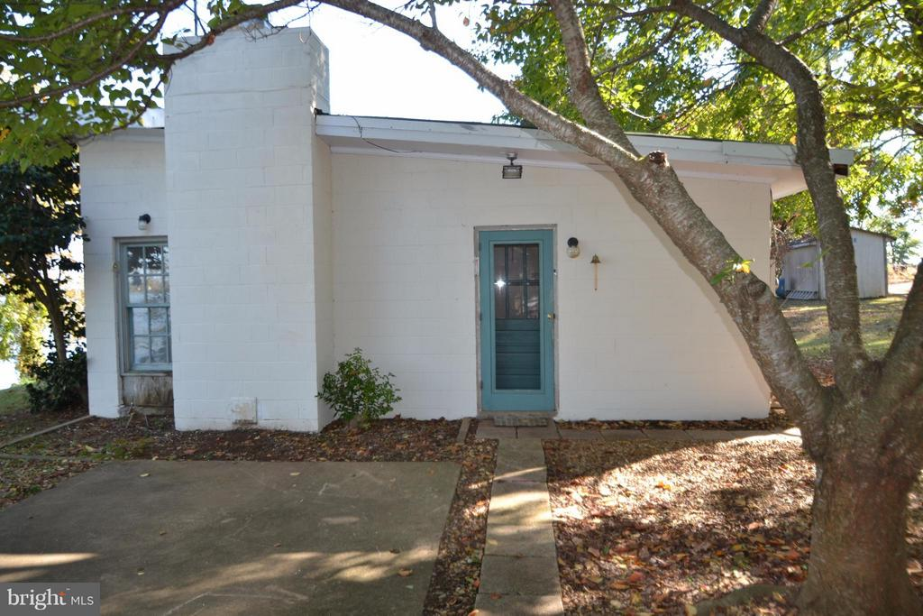 Front/side of Main Cottage - 8151 EVA DR, PORT ROYAL