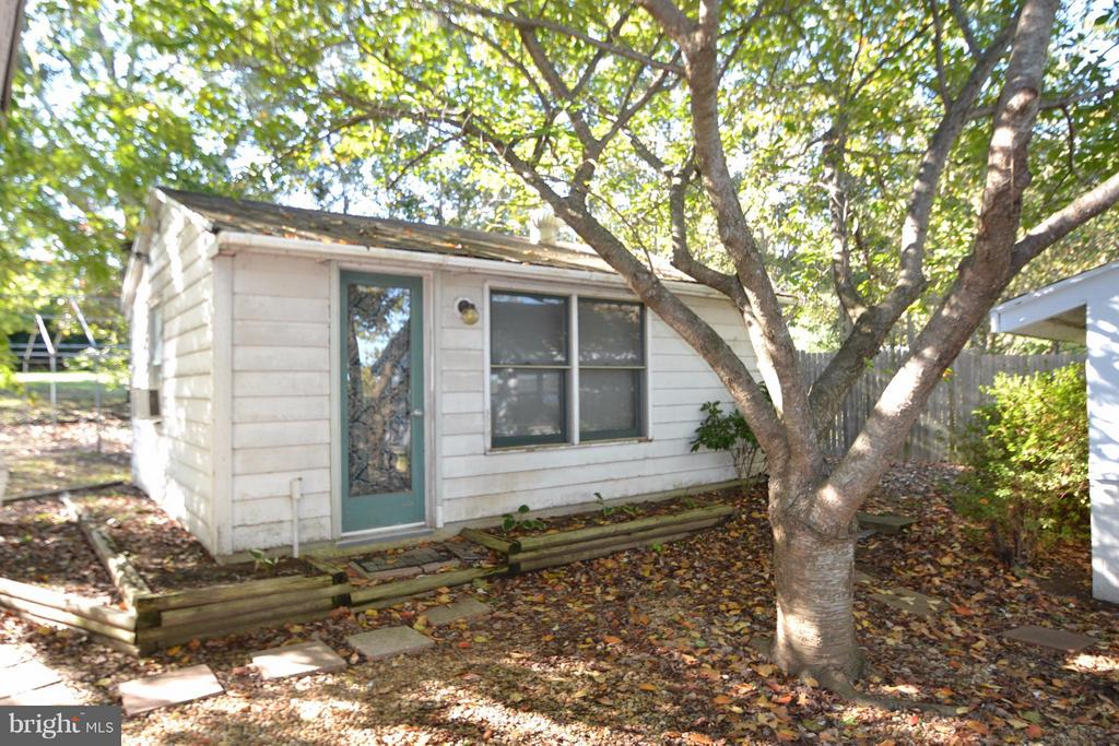 Guest Cottage - 8151 EVA DR, PORT ROYAL