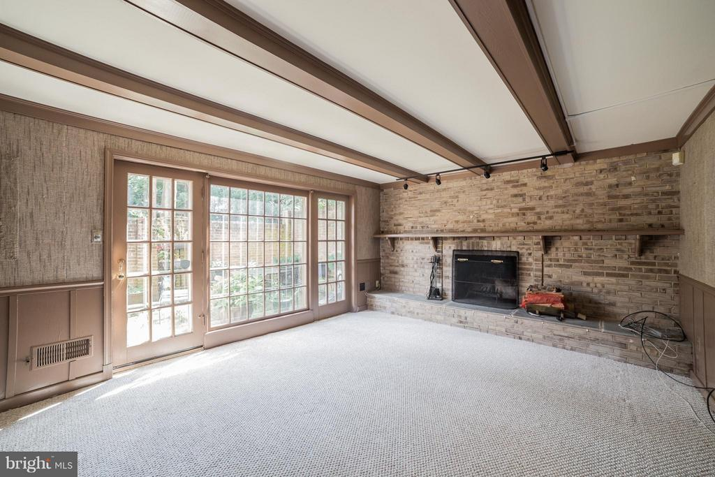 Lower Level Family Room with Fire Place - 10927 WICKSHIRE WAY #K-3, ROCKVILLE