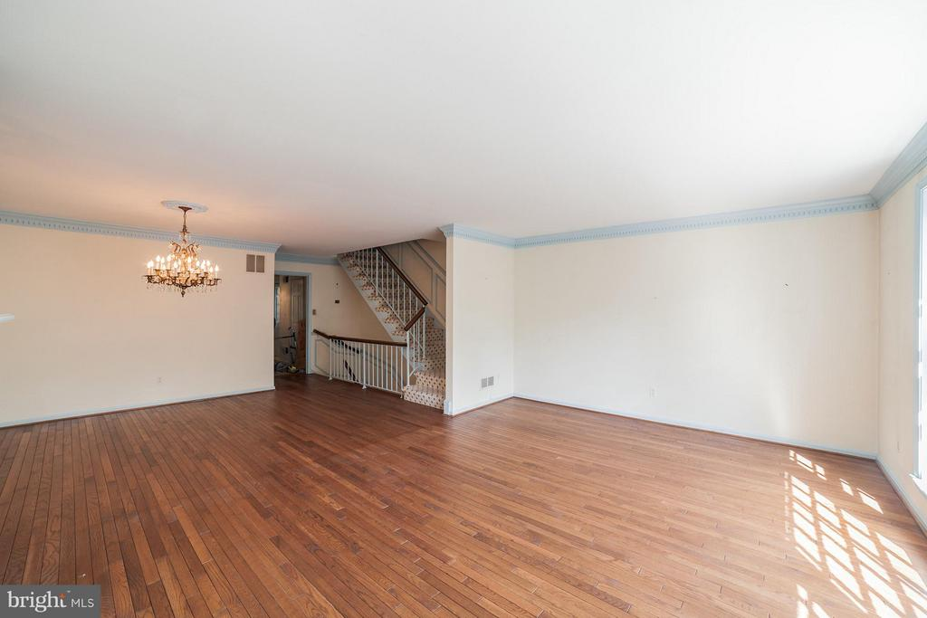 Living Room View Back Towards Upstairs and Foyer - 10927 WICKSHIRE WAY #K-3, ROCKVILLE